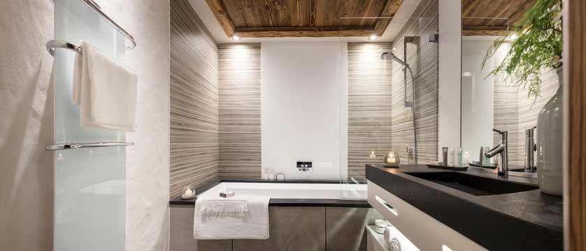 Cristal de Jade Residence, Chamonix, France - bathroom.jpg